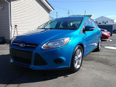 2014 Ford Focus SE (Blue Candy Tinted Clearcoat)