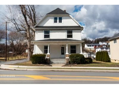 5 Bed 2 Bath Foreclosure Property in Archbald, PA 18403 - Main St