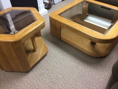 Coffee and end table set