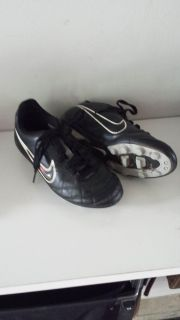 Nike size 1 soccer shoes