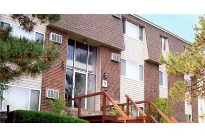 1 bedroom Apartment - A serene setting and a convenient location - enjoy Club in Watervliet, NY. $9
