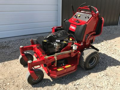 "2016 Toro Grandstand 36"" Mower *Like New*"