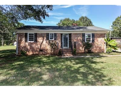 2 Bed 1 Bath Foreclosure Property in Gastonia, NC 28052 - Fairview Dr
