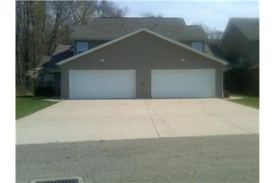 Newer 3 Bedroom 2 bath Townhouse