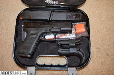 For Sale: Glock 19 Gen 5 3 mags