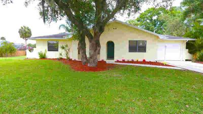 1917 SW Aaron Lane Port Saint Lucie, This cute Three BR