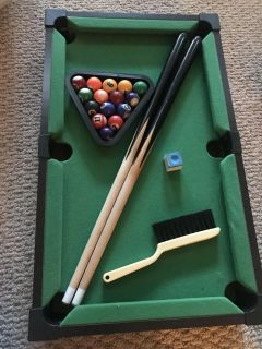 Small table top pool table