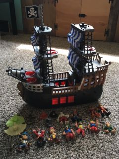 Fisher Price pirate ship and various pirates. Covington ppu.