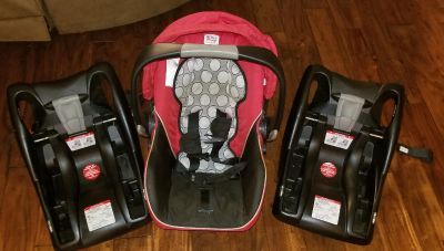 Britax BSafe baby carrier + 2 bases