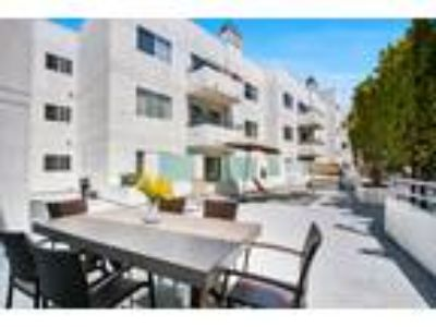 Beverlywood Luxury Apartments - Three BR + Two BA