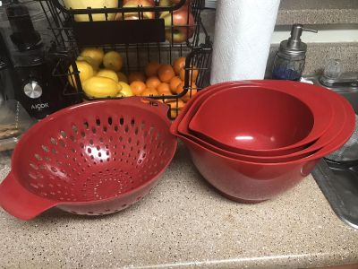 Mixing bowls and strainer