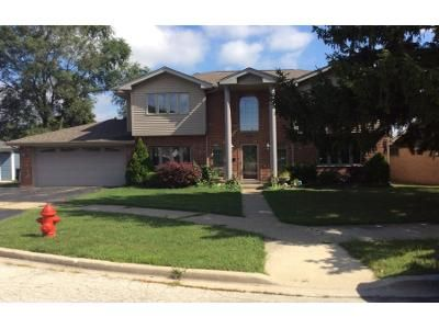 3 Bed 2 Bath Preforeclosure Property in Chicago Ridge, IL 60415 - 107th Pl