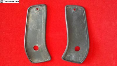 Rubber Gaskets a pair for indicator lights 1970-71
