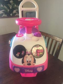 Minnie Mouse ride in car