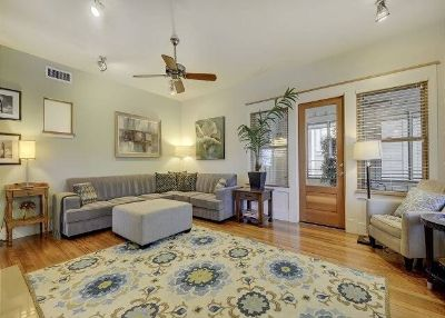 $4500 3 apartment in Central Austin