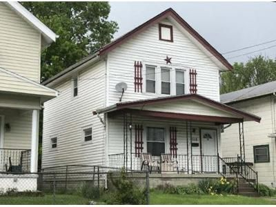 2 Bed 1.5 Bath Foreclosure Property in Latonia, KY 41015 - Daniels St