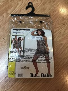 NEWcave woman halloween costume with necklace and earrings (medium)