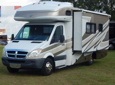 By Owner! 2008 24 ft. Fleetwood Pulse 24A w/slide