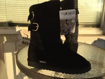 MUK LUKS Womens Boots size 9 new with all tags intact