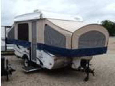 2013 Coachmen Clipper Sport 108 ST with Air Conditioning
