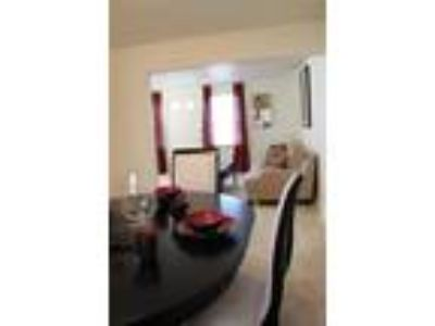 Governors Ridge - Two BR, One BA Townhome 995 sq. ft. (Hamilton)