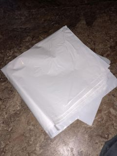 Bear claw kitchen garbage bags (approx 20)