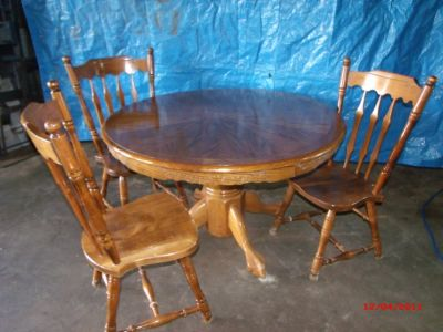Wood Pedastal Table with Lions Feet base and chairs $100 Adel