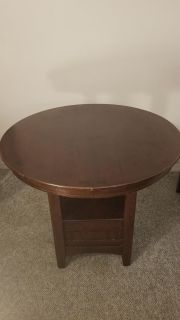Round dinning room table.
