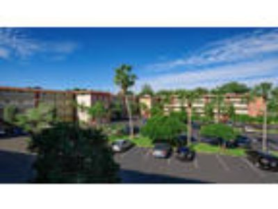 Apartments at Crystal Lake - 2b2b Standard