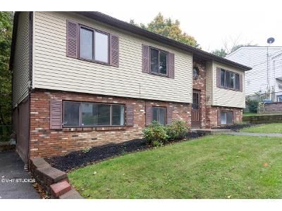 5 Bed 2.0 Bath Foreclosure Property in Middletown, NY 10940 - Mountain Ave