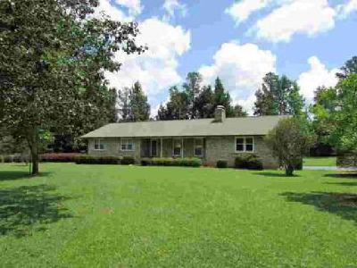 McCullar Weaver Road SW Milledgeville, Great brick home with