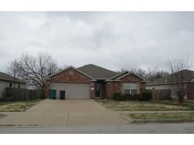 3 Bed 2 Bath Foreclosure Property in Rogers, AR 72758 - S C St