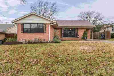 851 Peavy Road Dallas Three BR, PRICE REDUCED! Cute traditional