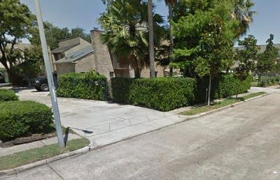 $900, 1br, house in Galleria w Extra Room and private bath for Rent, No Preference