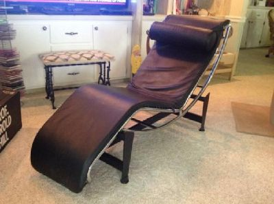 Contemporary black leather chaise, like new