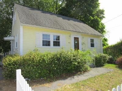 4 Bed 1 Bath Foreclosure Property in Manchester, NH 03103 - Cedar St