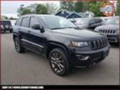 $29900.00 2016 JEEP Grand Cherokee with 34758 miles!