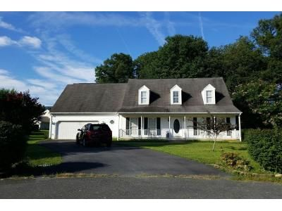 3 Bed 2.5 Bath Preforeclosure Property in Stuarts Draft, VA 24477 - Tomahawk Ct