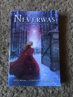 Neverwas Book II of the Amber House Trilogy (2014, paperback)