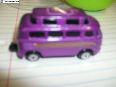 Egg Bus