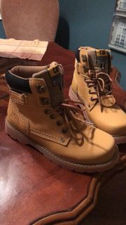 Men s CAT work boots size 8 new