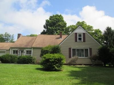 3 Bed 1 Bath Foreclosure Property in Fiskdale, MA 01518 - Cedar St