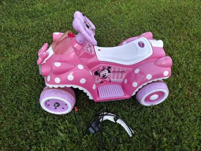 Girls Ride On Minnie Mouse Quad w battery and Charger This is a working Girls Ride On Jr Battery operated Quad It