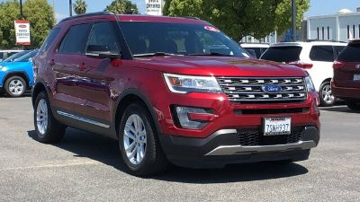 2016 Ford Explorer XLT (Ruby Red Metallic Tinted Clearcoat)