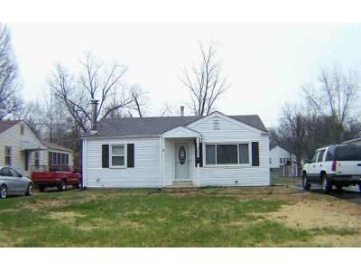 3 Bed 2 Bath Foreclosure Property in Saint Ann, MO 63074 - Chaucer Ave