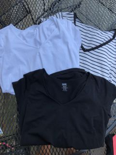 Maternity v neck tops