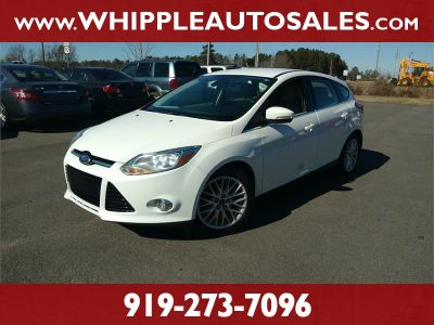 2012 Ford Focus SEL (White Pearl)