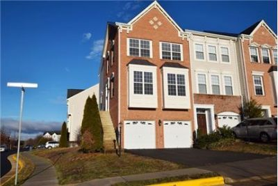 luxurious End Unit Townhouse with 2 car garage