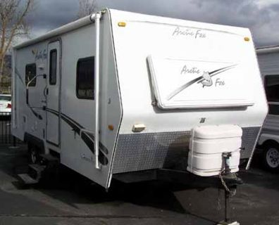 2005 Arctic Fox 22M Used Travel Trailer