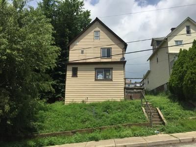 3 Bed 2 Bath Foreclosure Property in Irwin, PA 15642 - 9th St